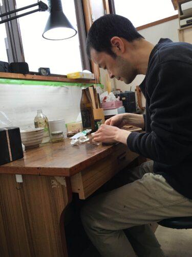 泉健太郎 新潟 卵殻 漆器