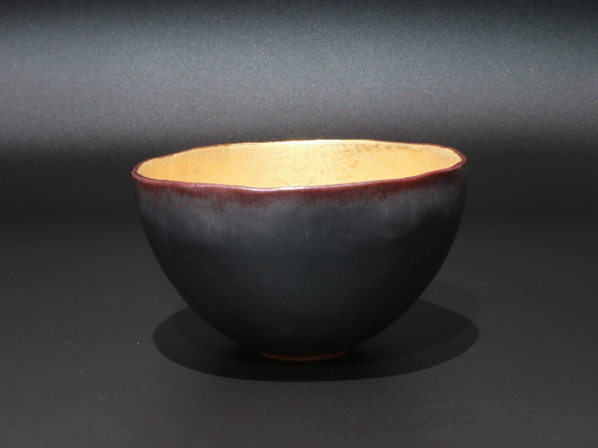 藤平寧 茶碗 鉄釉 金彩 京都